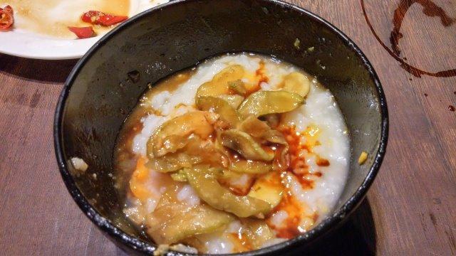 地瓜粥配鹹瓜仔跟 萬家香純佳釀醬油