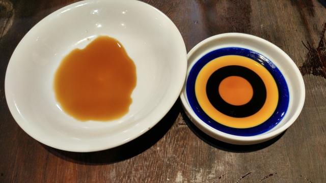 這是發酵釀造十個月的台灣黃豆麥醬油,廠家東陽醬油甚至不是號稱為白醬油。