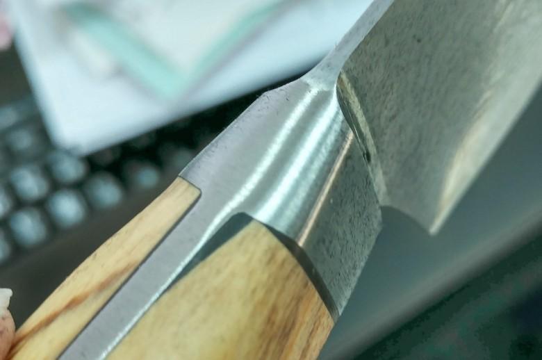 Chefstalk knife刀柄木頭不貼合,用填充物應付