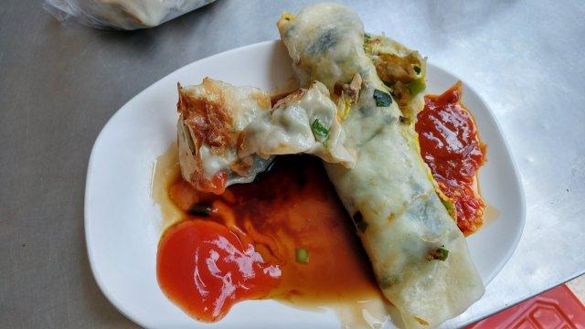 竹東阿胖豆漿用了翔品甜辣醬跟三豐辣椒醬