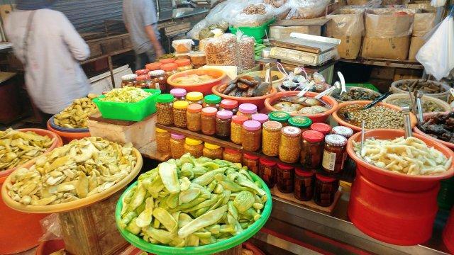 朴子市場的醬菜攤