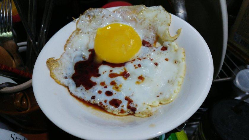 測試醬油 荷包蛋