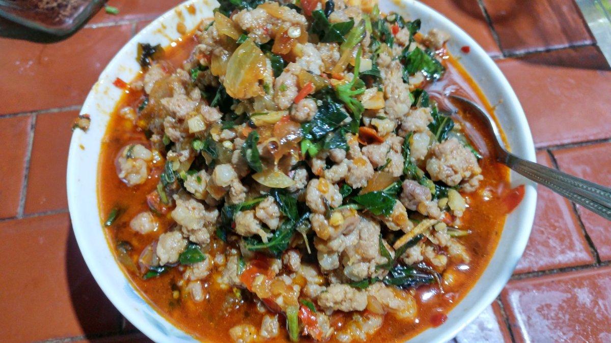 用泰國特調甲拋醬 Instant Holy Basil Paste(打拋醬)做打拋豬肉