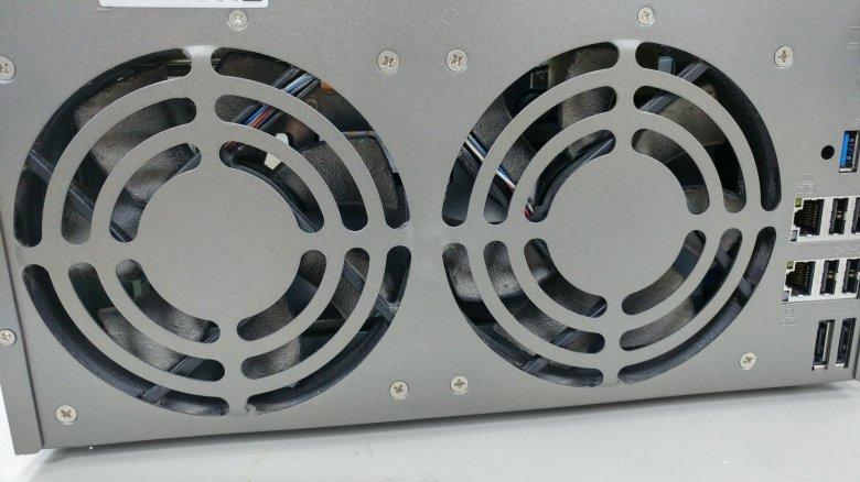 QNAP TS-869 PRO風扇的灰塵