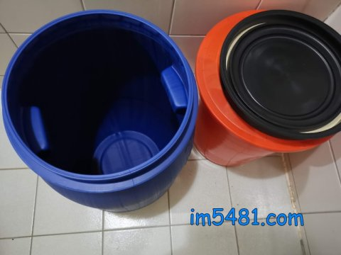 30L化學桶是不透光的,且密封蓋有矽膠壓條