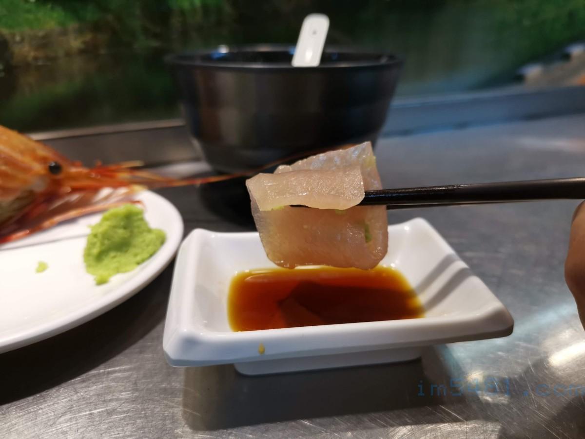 如何文雅的吃生魚片?