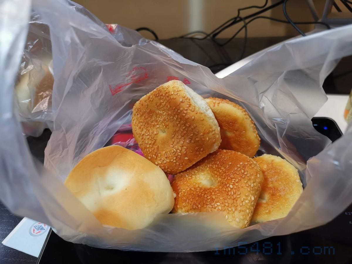 在家裡依然發出香味的鹹光餅跟甜光餅