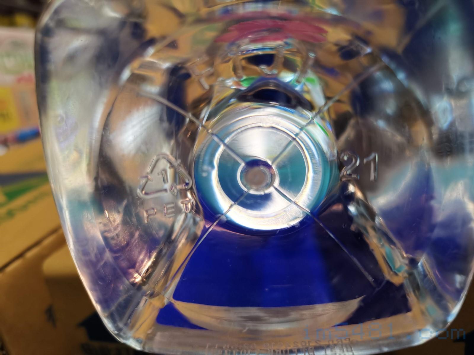 礦泉水都是使用PET材質容器